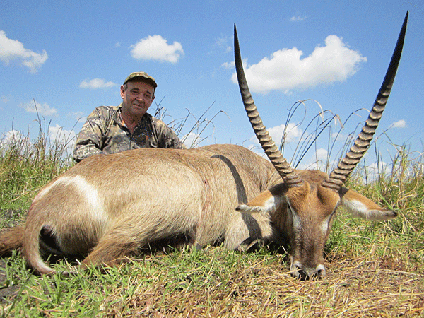 dave-morris-hunting-highlights-zambeze-delta-safaris-mozambique-professional-hunters-africa