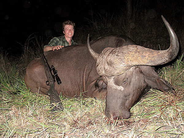dustan-millar-hunting-highlights-zambeze-delta-safaris-mozambique-professional-hunters-africa