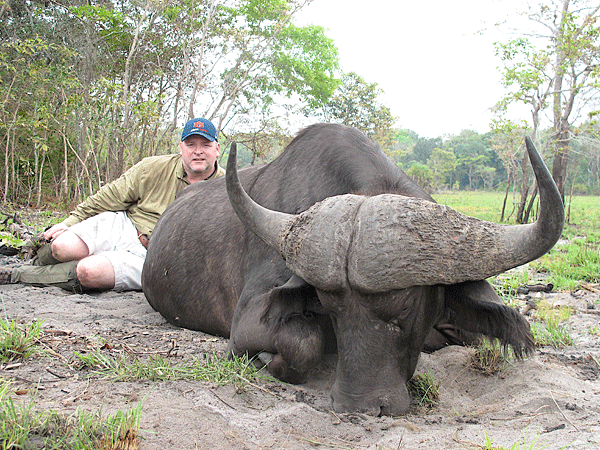 jim-trimm-hunting-highlights-zambeze-delta-safaris-mozambique-professional-hunters-africa