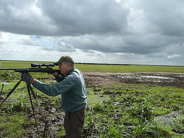 richard-and-candy-moore-hunting-highlights-zambeze-delta-safaris-mozambique-professional-hunters-africa