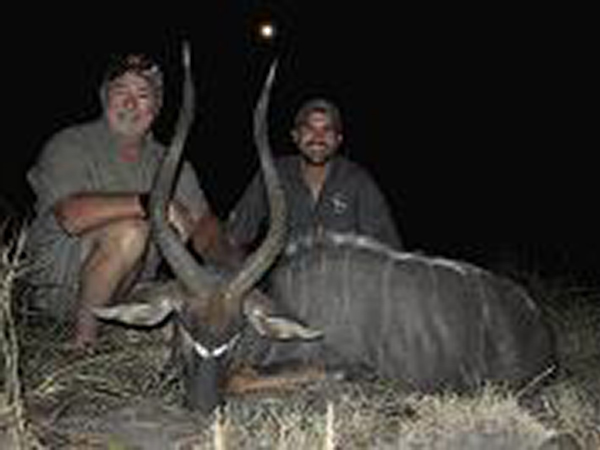robert-kern-hunting-highlights-zambeze-delta-safaris-mozambique-professional-hunters-africa