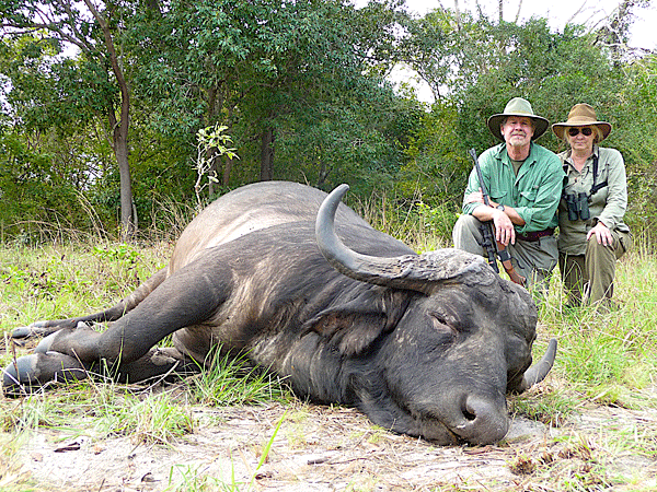 tim-and-marie-norris-hunting-highlights-zambeze-delta-safaris-mozambique-professional-hunters-africa