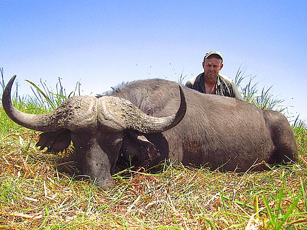 bill-torvik-hunting-highlights-zambeze-delta-safaris-africa